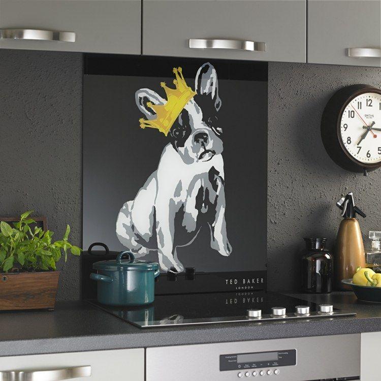Glasbilder Für Badezimmer: Schwarze Acrylplatte Mit Niedlichem Bild Hinter Dem Herd
