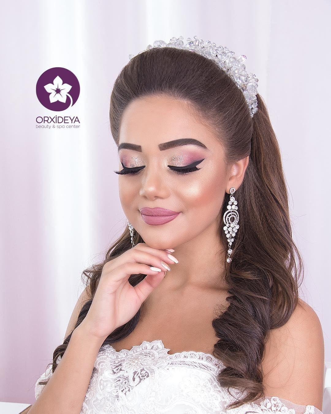 Axsaminiz Xeyir Olsun Sac Makiyaj By Me Feride Orxideya Orxideya Gozellikmerkezi Makeup Crown Jewelry Crown