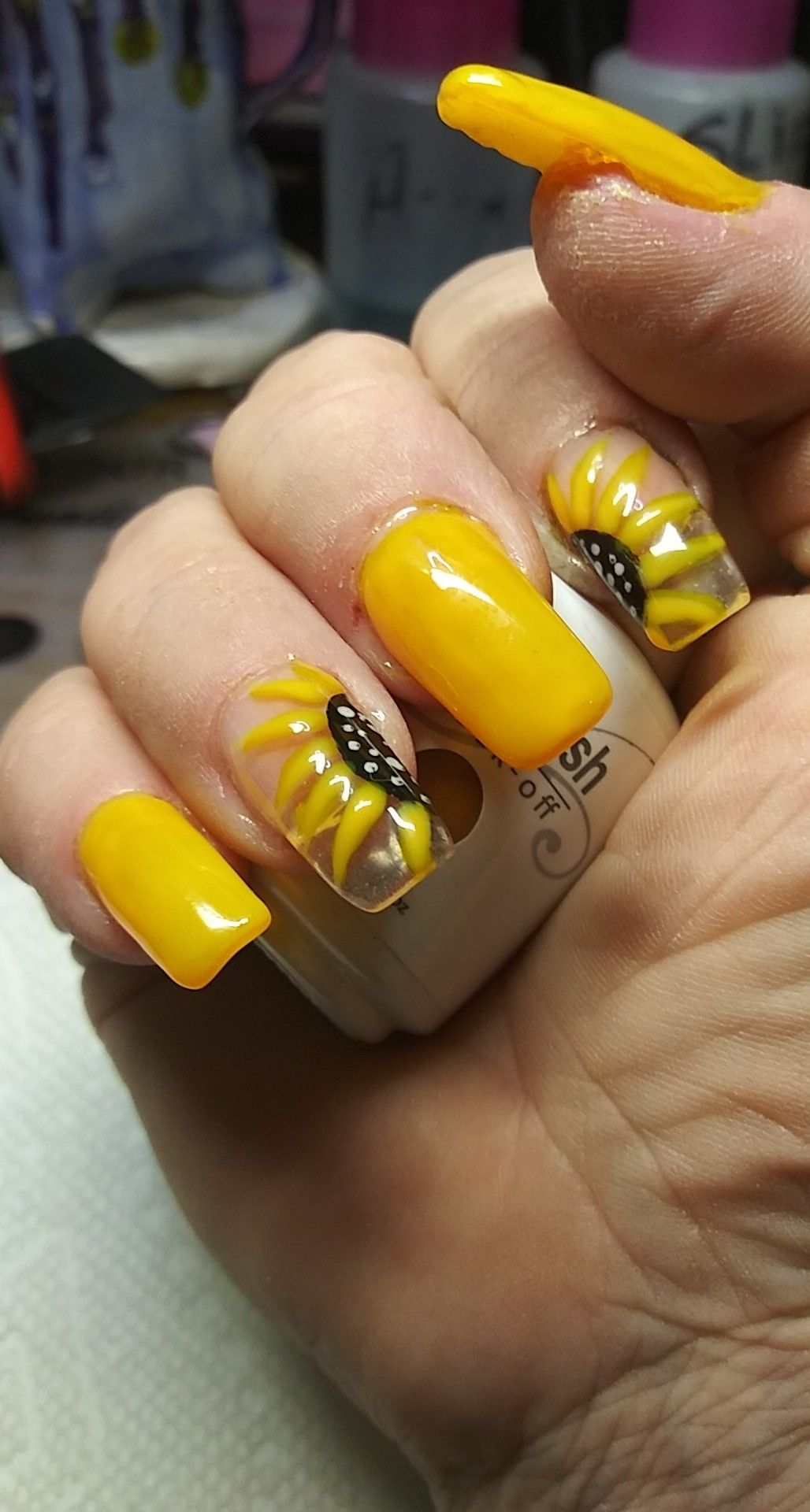 Sunflower nails ☀️ 🌻 | Sunflower nails, Yellow acrylic