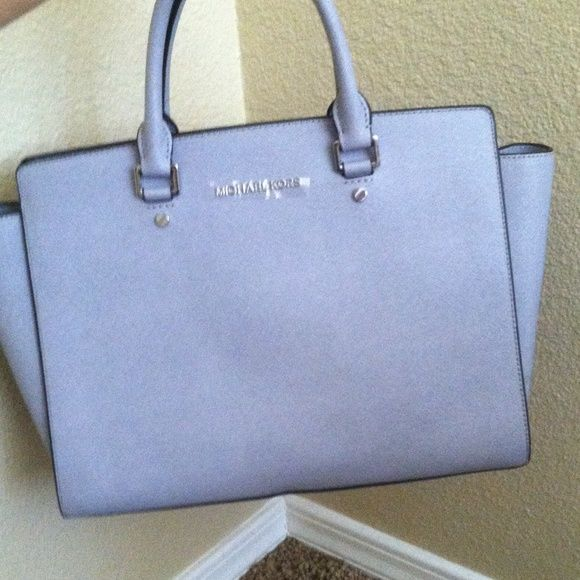 Love! / Michael Kors handbags out-let 58.00 USD! Thank you very much!