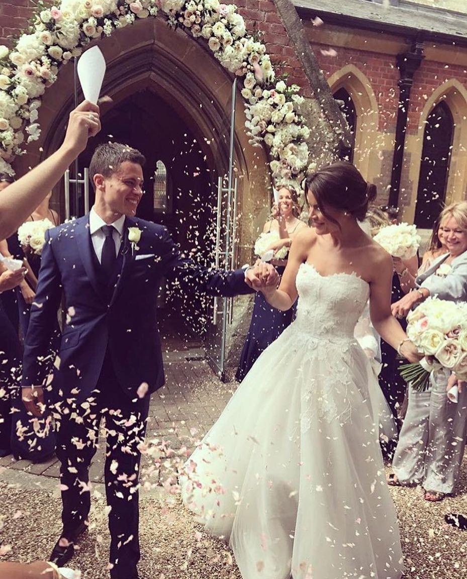 """– Monique Lhuillier Bride (@moniquelhuillierbride) på Instagram: """"Eternal Happiness  #moniquelhuillier #mlbride #wedding #celebration #bridal #realbride"""""""