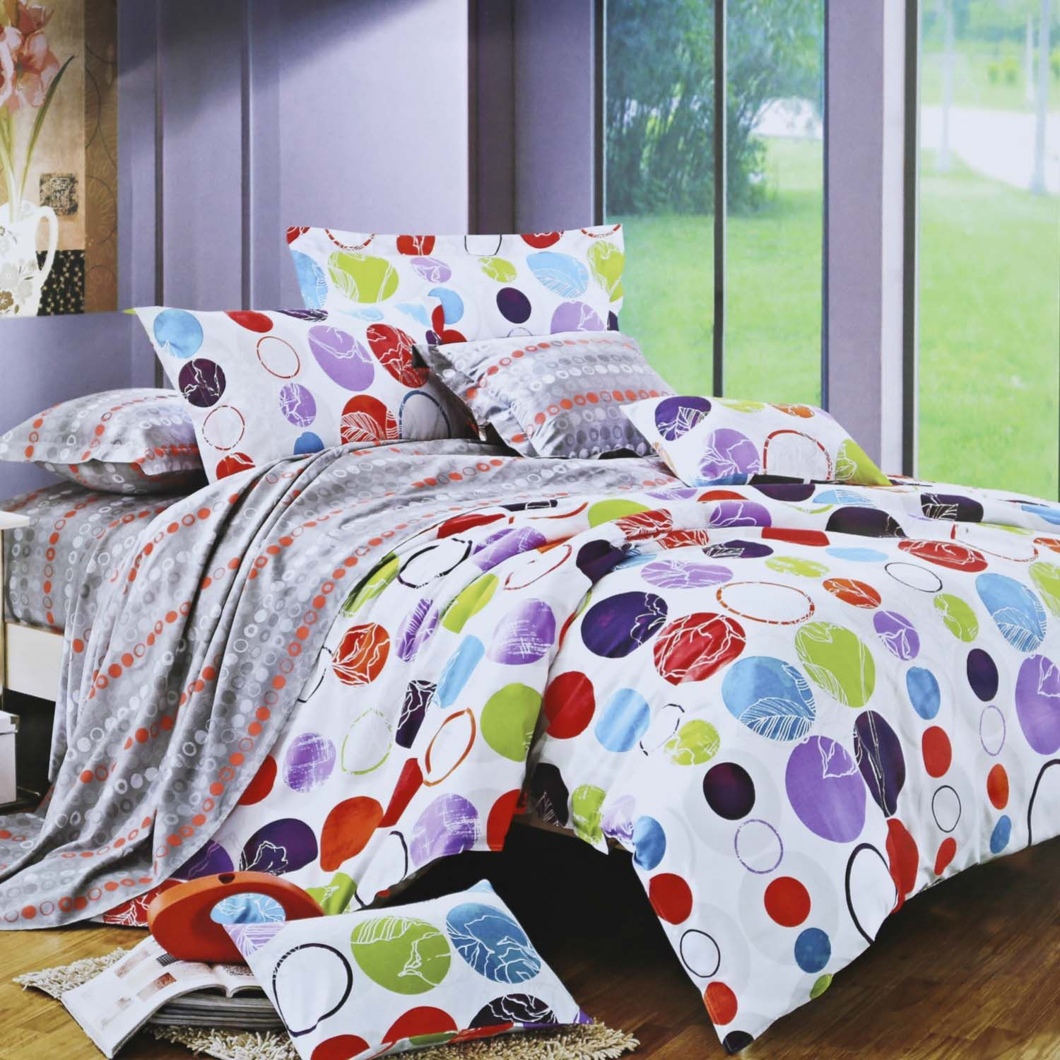 Each set contains one duvet cover, two pillow shams (With