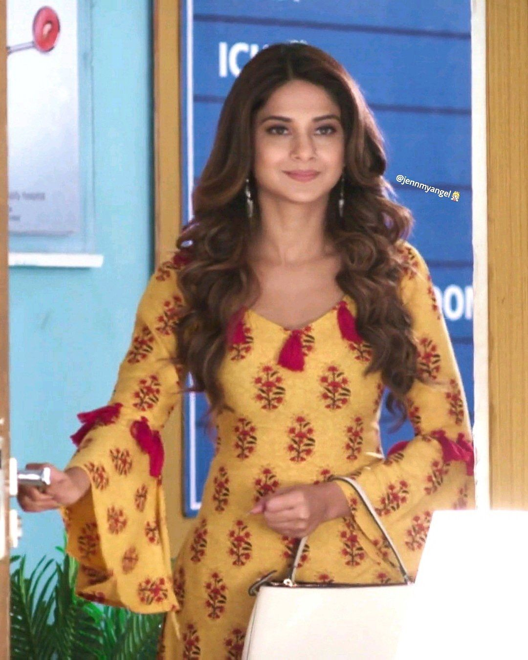 Bepannaah Bepanah Jenniferwinget Zoya Bepannaah Jenshad Adiya Jenshad Latest Dress Design Pakistani Dress Design Indian Designer Outfits