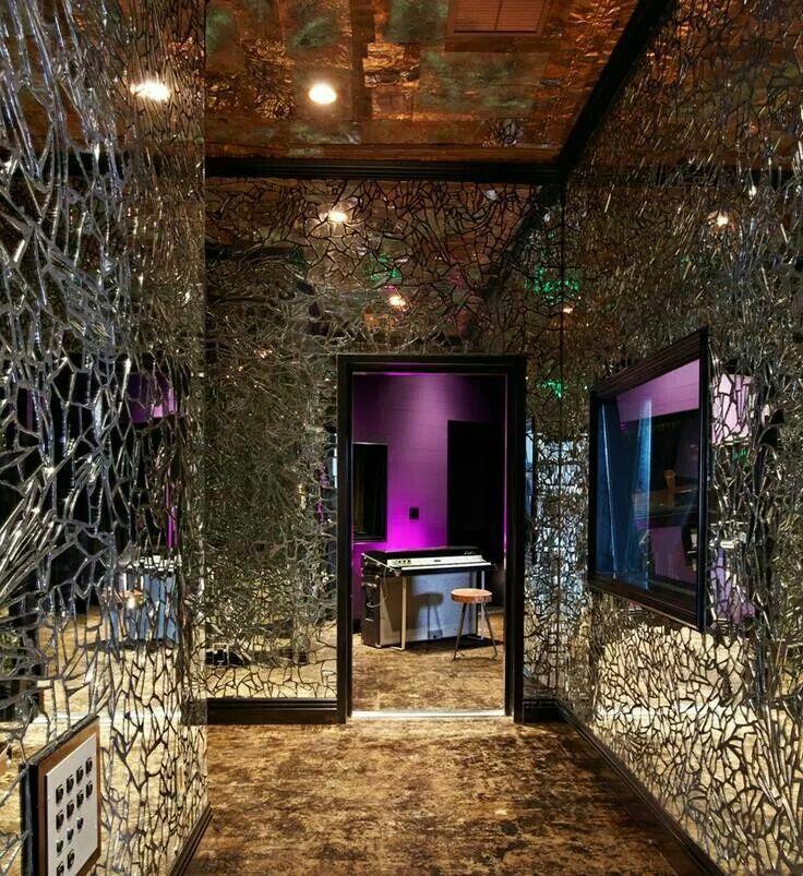 Love these walls! Mirror crafts, Broken mirror, Mirror