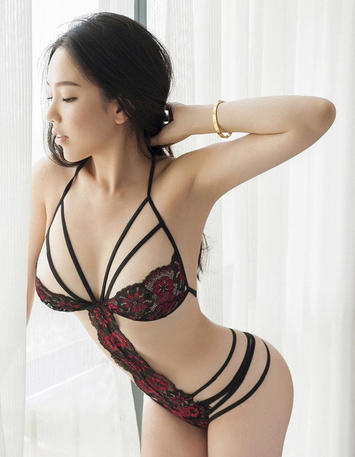 clothed asian beauty escorts