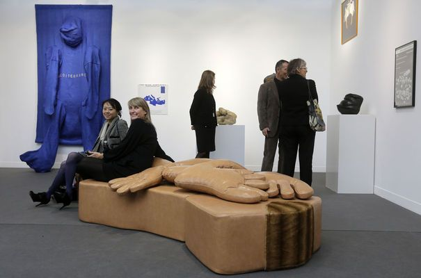 FIAC 2012. Giant Woman Sofa, 1970, Nicola L.