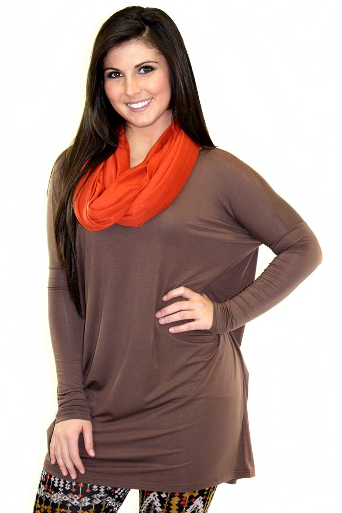 Our favorite fit piko tunic. (90% Rayon, 10% Spandex)