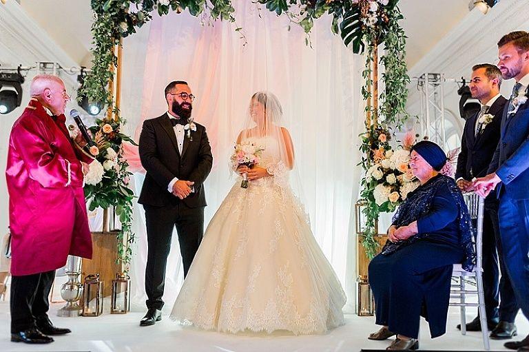Canan Volkan Hochzeit In Der Orangerie Schloss Charlottenburg In 2020 Kleid Hochzeit Hochzeit Brautjungfern Kleider
