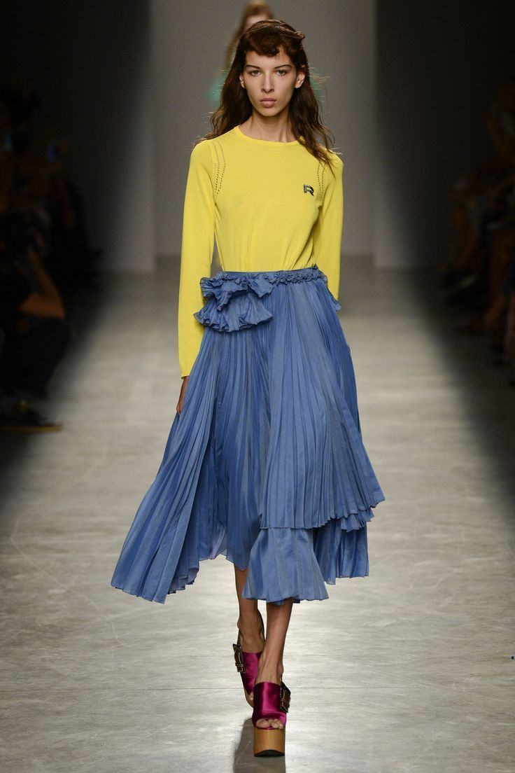 61d92452d94 6 Main Fashion Trends of Spring   Summer 2017 - A lot of the women around  the world are obsessed with fashion trends  this is obvious because all ...