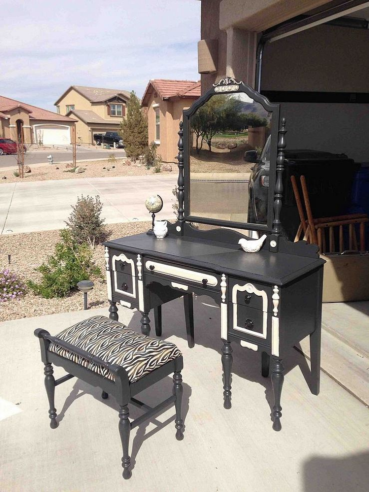 Add some wow to a vintage vanity with bold black & white paint ... - Before/After Antique Vanity Paint Fabric, Vintage Vanity And White