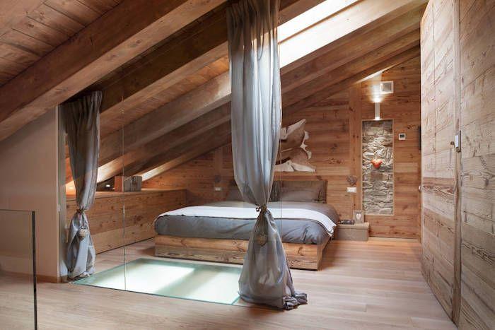 kleine räume geschickt einrichten großes bett im dachzimmer - vorhänge im schlafzimmer