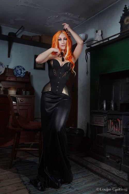 a7d56722ba Black Gold Crikey Aphrodite corset