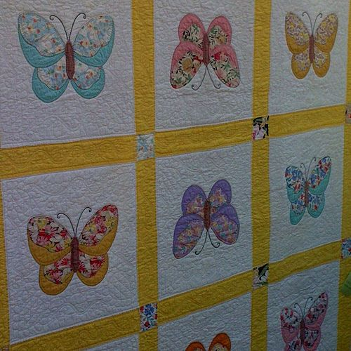 Butterfly Quilt By Foxygreen Via Flickr Appliqu 233