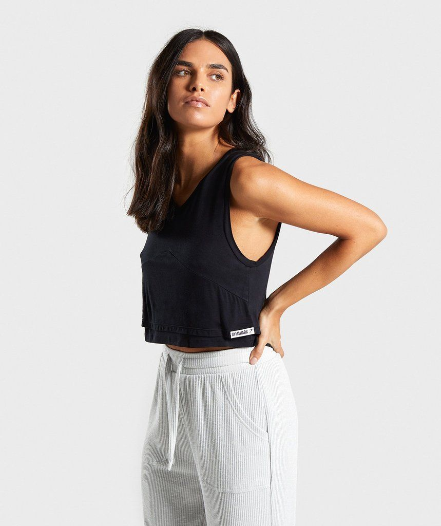 09e43f8b615a3 Gymshark Relaxed Crop Top - Black in 2019 | Tess' Birthday Ideas ...