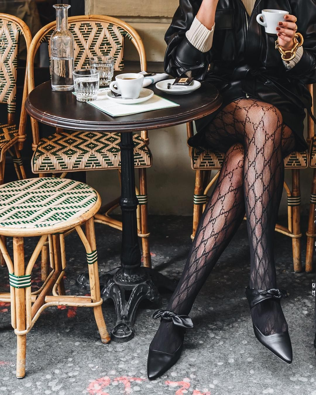 Holly Titheridge On Instagram Black Is Never Boring Therow Mules Getting Me Through My European Adventures Because Kitten Heels Fashion Style Stockings