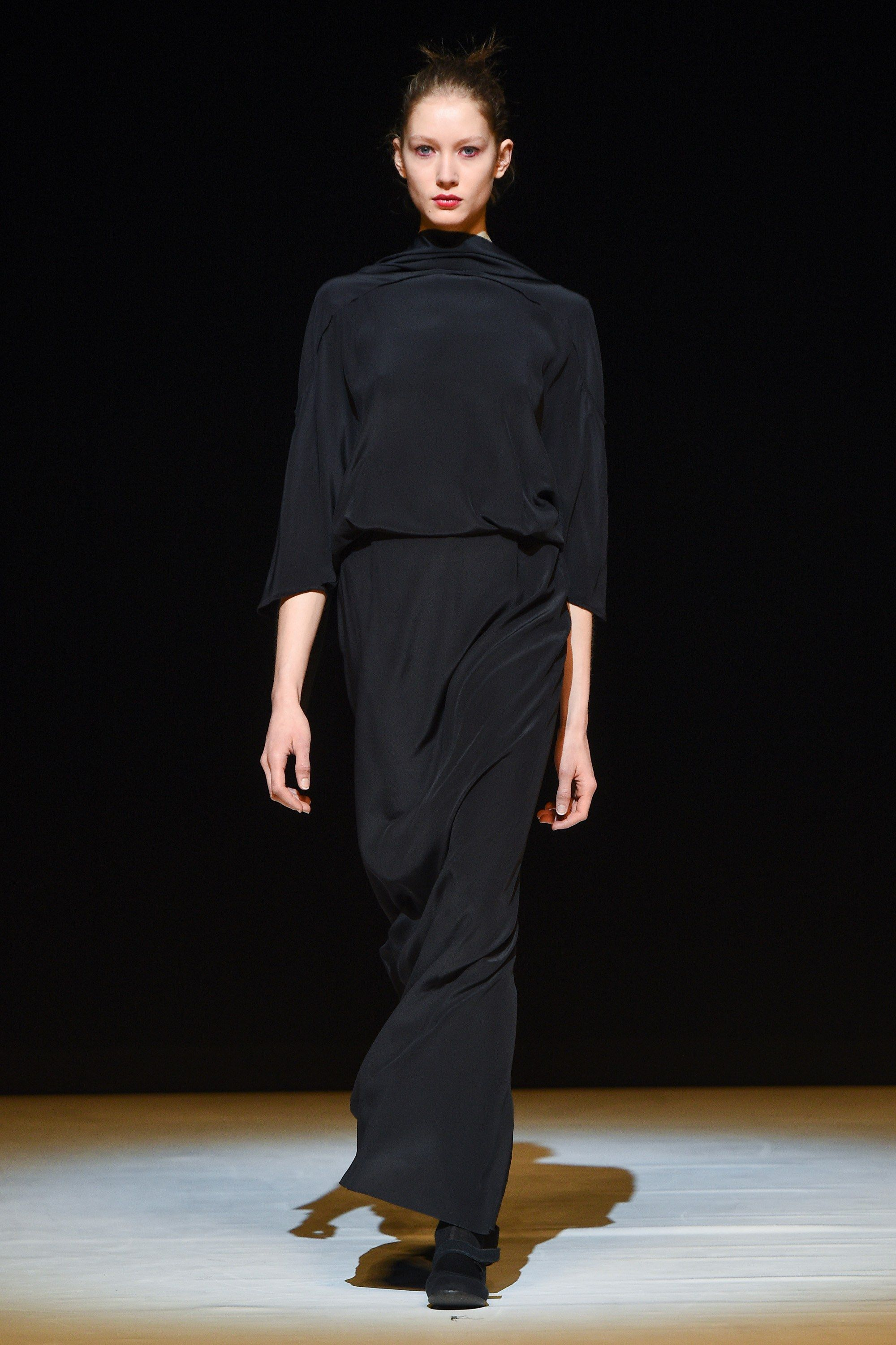 Chalayan Fall 2017 Ready-to-Wear Collection Photos - Vogue