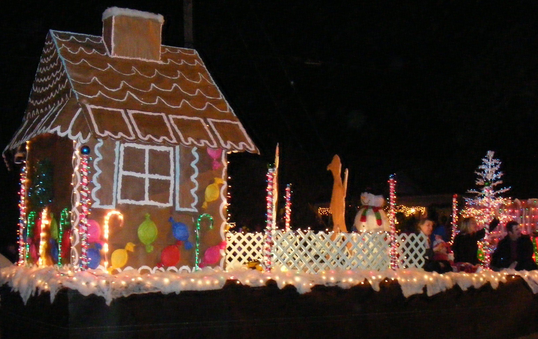 Google Image Result For Http Blog G3realtygroup Com Wp Content Uploads 2011 12 Gingerbread Flo With Images Christmas Parade Floats Christmas Parade Christmas Float Ideas