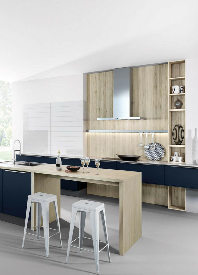 Küche, Holz, Holzküche, Blau, Farbig, Holz Arbeitsplatte, Kücheninsel,  Kochinsel, Küchenblock, Barhocker, Sitztheke, Wandgestaltung, Modern,  Wohnküche, ...