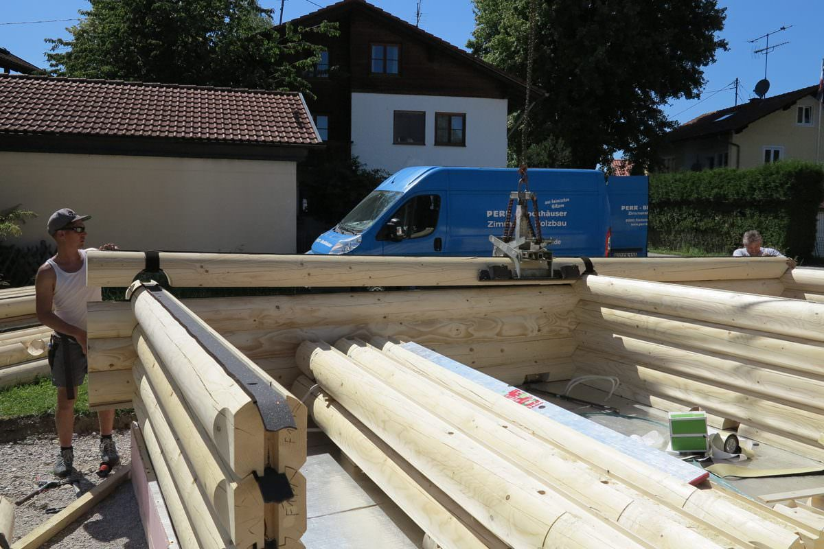 Blockhaus Bausatz selbst aufbauen oder aufbauen lassen? Beides möglich