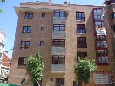 by € 60,000 less than its value, sell 1 bedroom apartment in Madrid Infanta Mercedes area (one with gardens Peron), brand new, best view