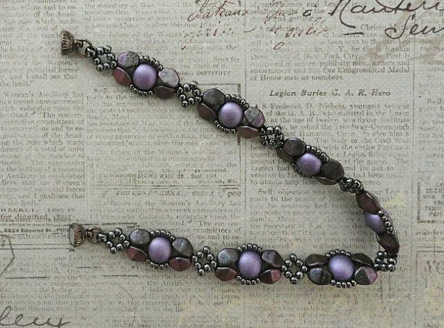 Bracelet of the Day: Presa Linda Variation - Hematite & Orchid