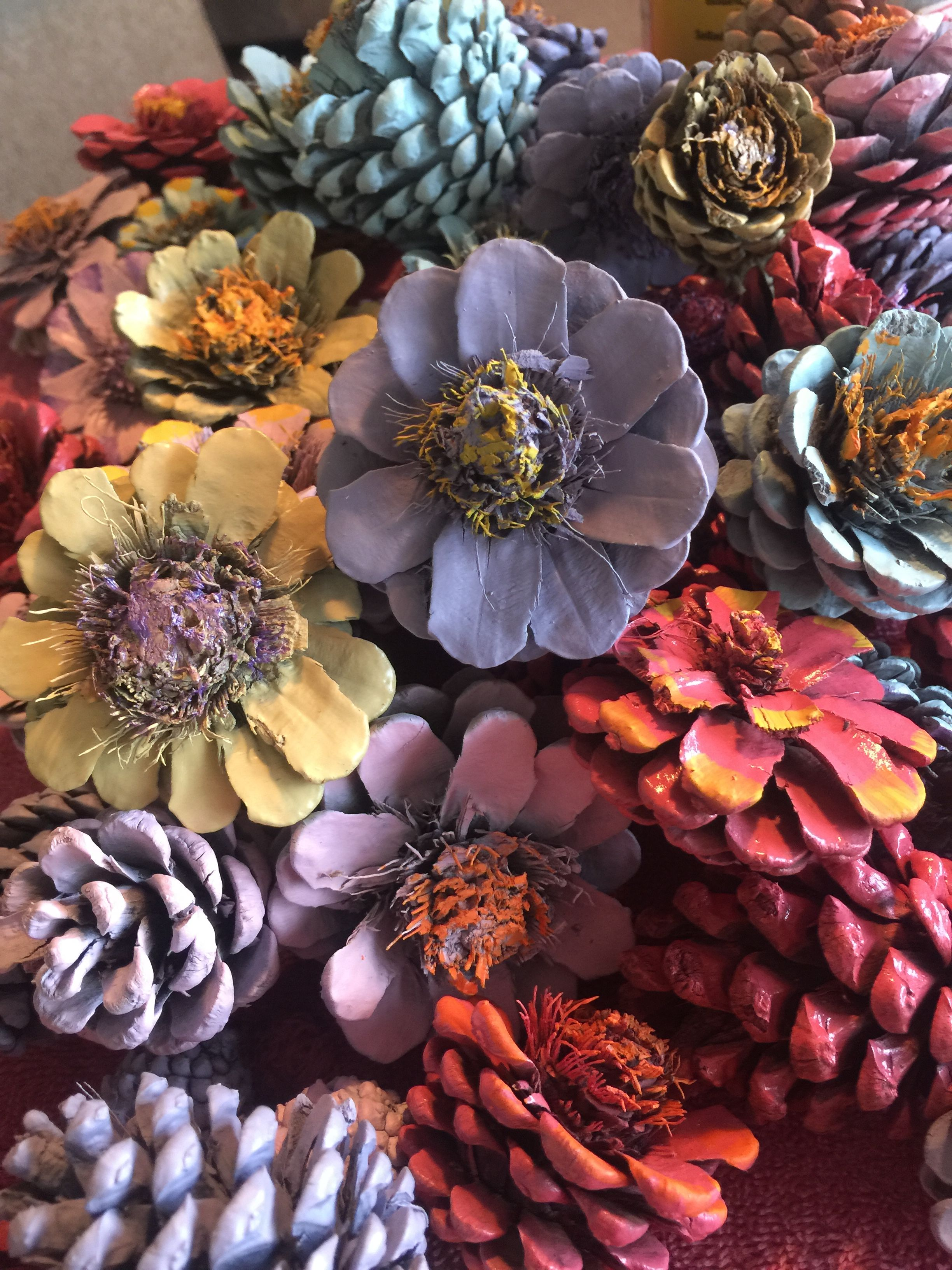 Pin de magaly dominguez en pinecones pi as pinterest - Manualidades pinas secas ...