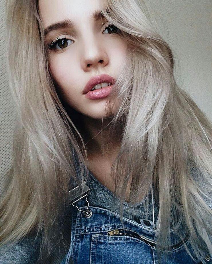 T N Una Chica De 14 Años Multimillonaria Q Vivia Feliz Asta Q Sus Pad Detodo De Todo Amreading Books Wattpad In 2021 Girl Photography Beauty Girl