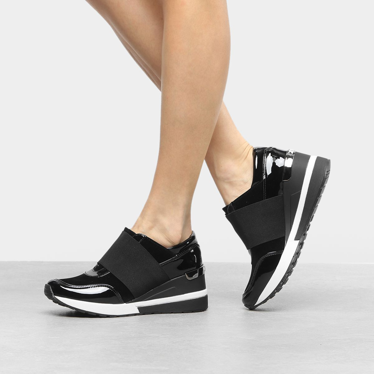215fc25e3 Tênis Santa Lolla Sneaker Elástico Verniz Feminino - Preto - Compre Agora    Zattini #tênis