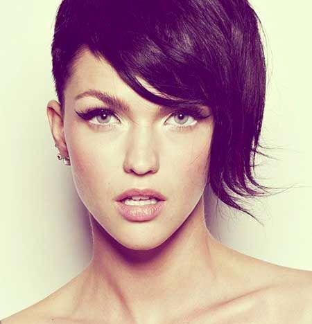 20 alluring short hairstyles for oval faces short from