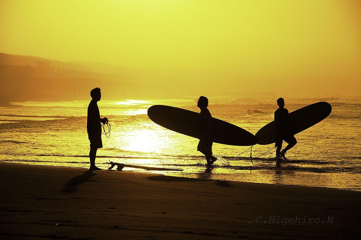 Sunrise Surfer 東海道線、夏の風景。