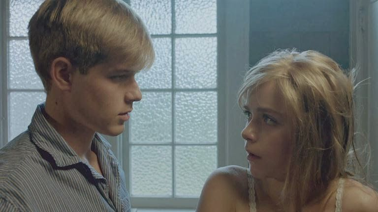 Cathy Chris How Much Do We Love V C Andrews Flowers In The Attic 2 0 Blog Flowers In The Attic Movies And Tv Shows Movie Couples