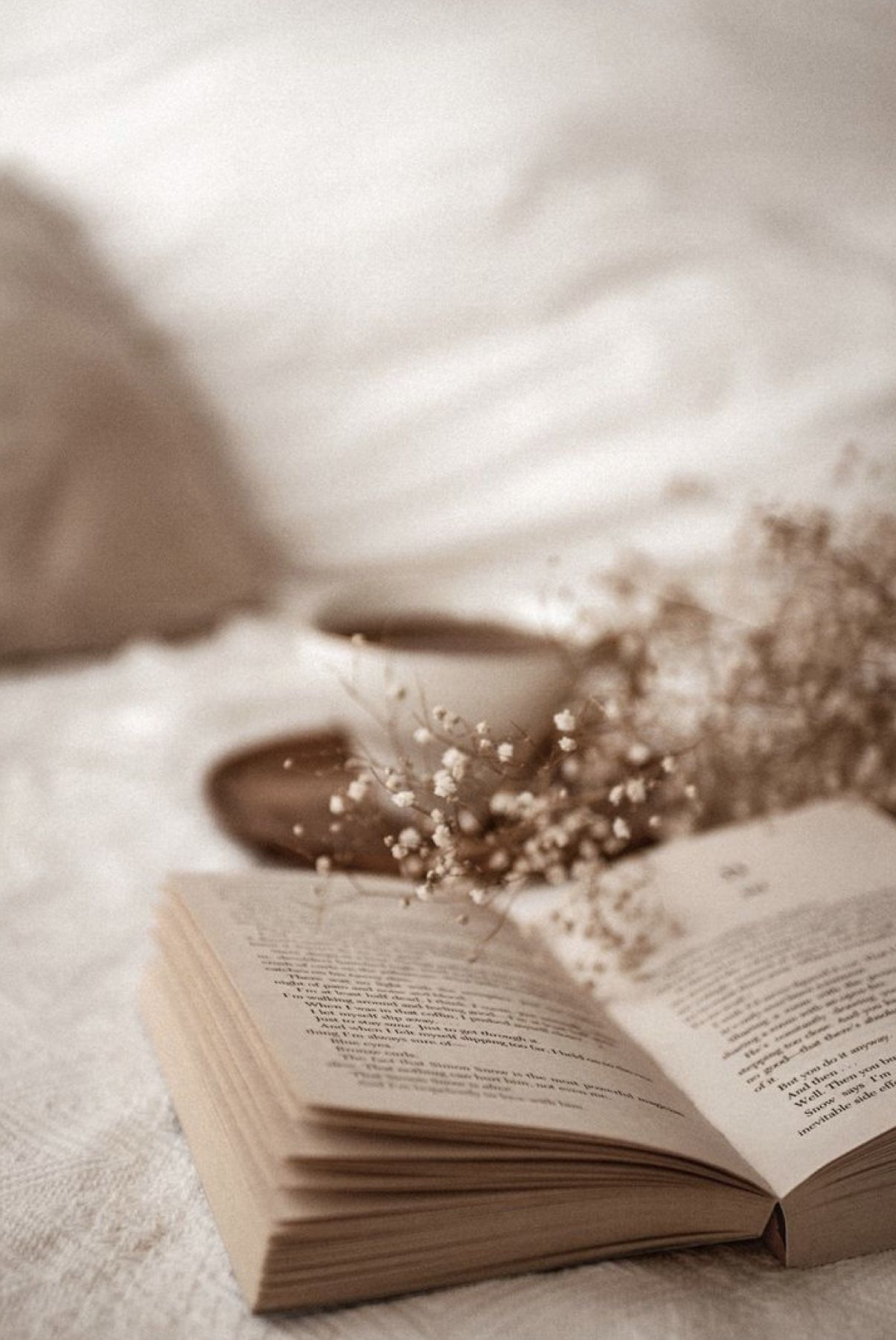 Books And Coffee Wallpaper Iphone Books And Coffee Brown Aesthetic Aesthetic Iphone Wallpaper Beige Aesthetic
