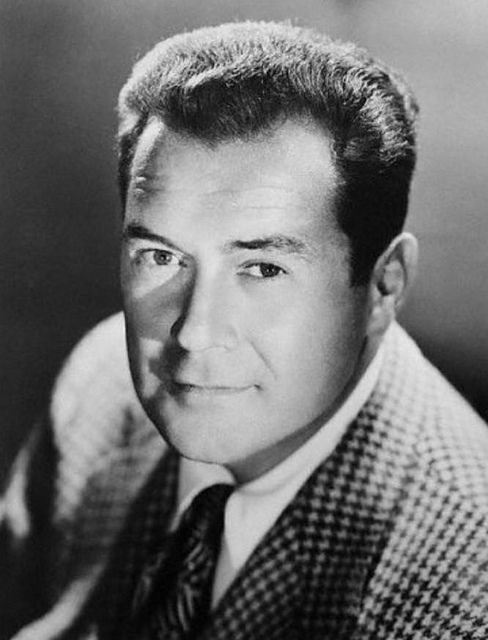 Frank Lovejoy was an American actor in radio, film, and television. He was born Frank Andrew Lovejoy Jr (Meet McGraw, I Was A Communist For the FBI.  Man Against Crime)  1912-1962