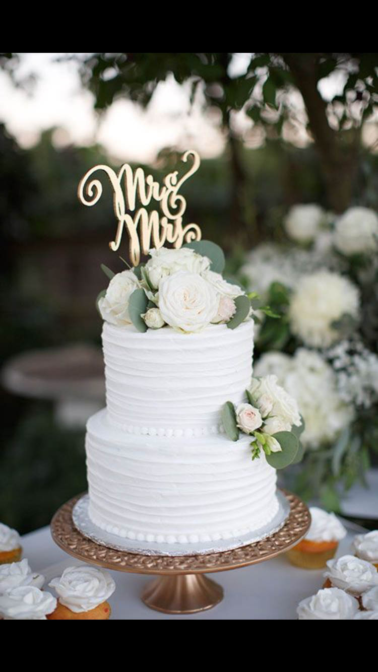 Simple White Wedding Cakes Rustic