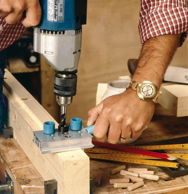 Comment fabriquer un meuble de rangement en bois tutos - Comment faire un lit escamotable ...