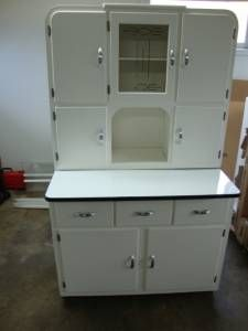 White Kitchen Hoosier Pull Out Enamel Top Table Has Flour Sifter Metal Drawer And All The Origin Hoosier Cabinet Kitchen Cabinet Styles Retro Pink Kitchens
