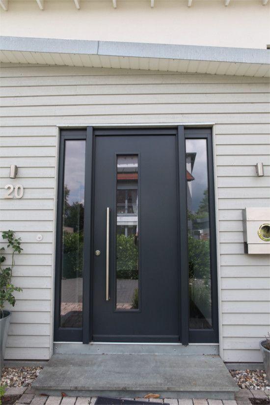 moderne haust r anthrazitfarbene ganzblatt haust r mit zwei seitenteilen langer griffstange. Black Bedroom Furniture Sets. Home Design Ideas