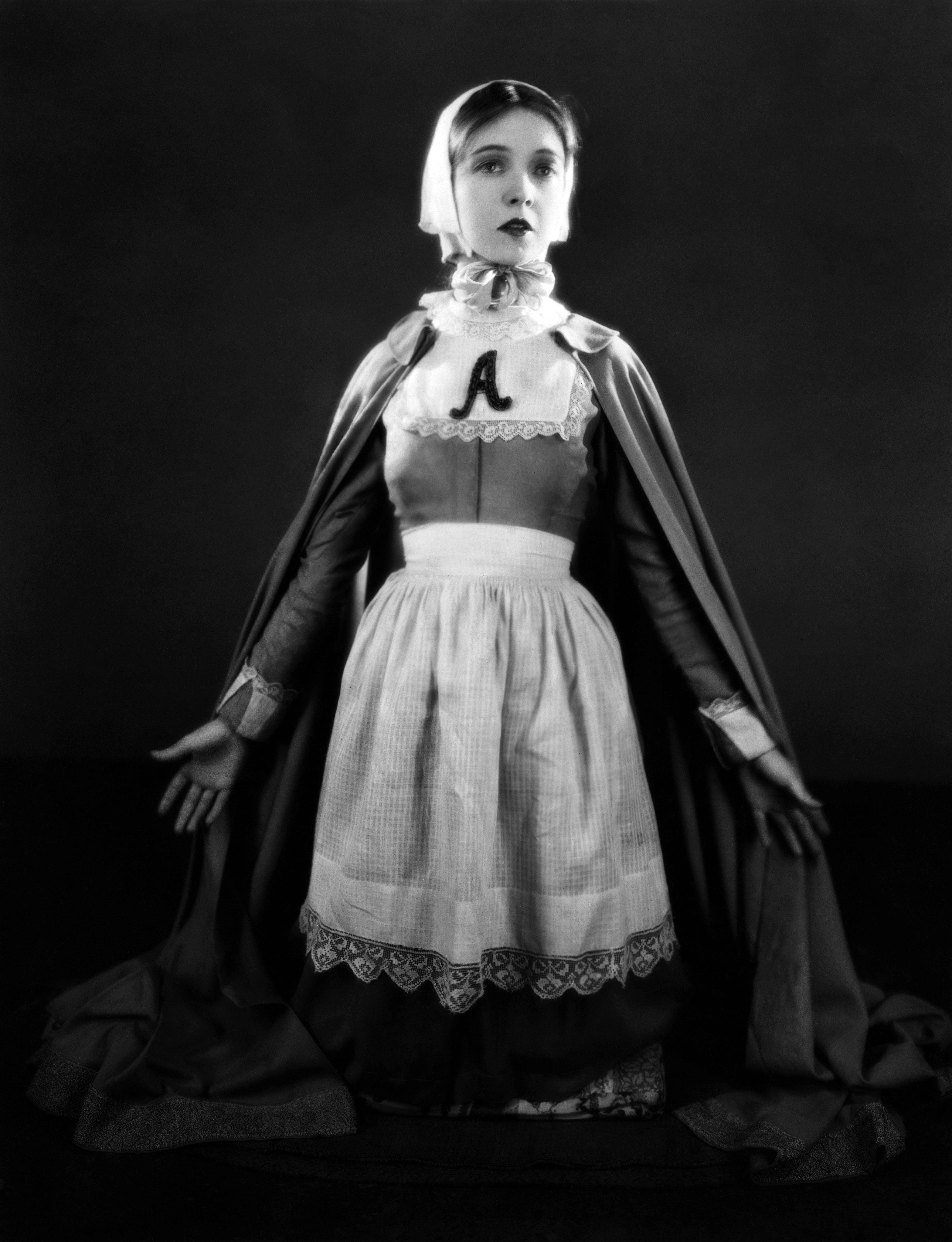 prynne Lillian gish, Dress up costumes, Fashion