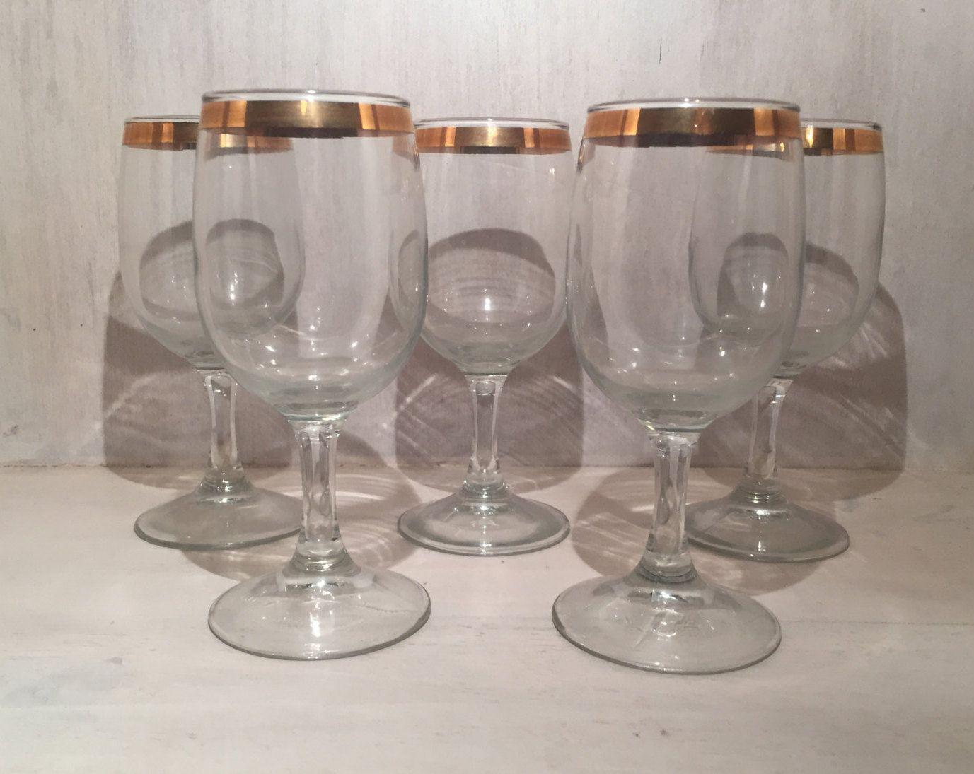 4aacabccaf2a Vintage Gold Rimmed Wine Glasses (Set of 5) by DivineVintageFinds4U on Etsy