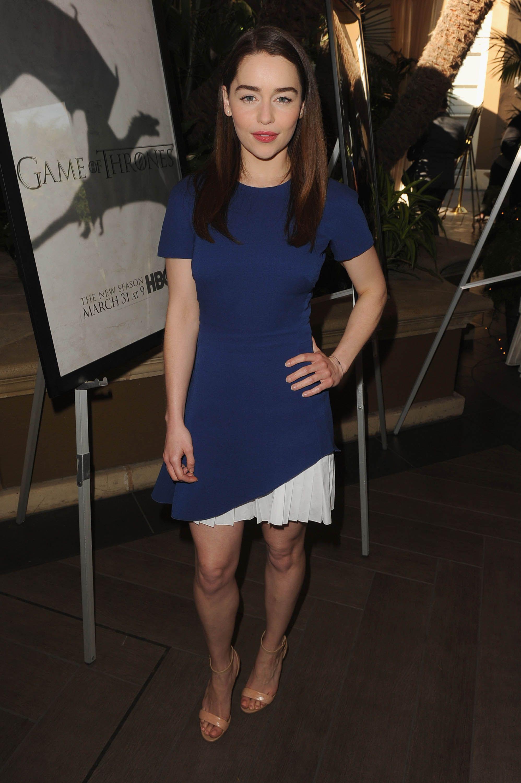 Emilia Clarke   Emilia clarke style, Beautiful female ...