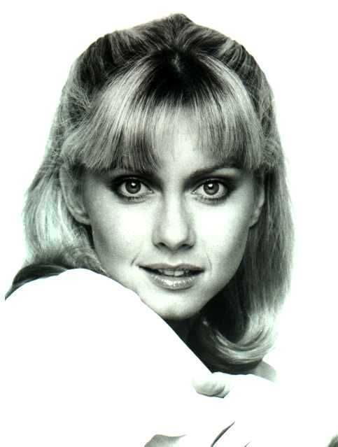 Olivia newton john images olivia wallpaper photos 15270945 olivia newton john won meet and greet with her and front row tickets i smiled through the whole concert got to meet her after she is so sweet m4hsunfo