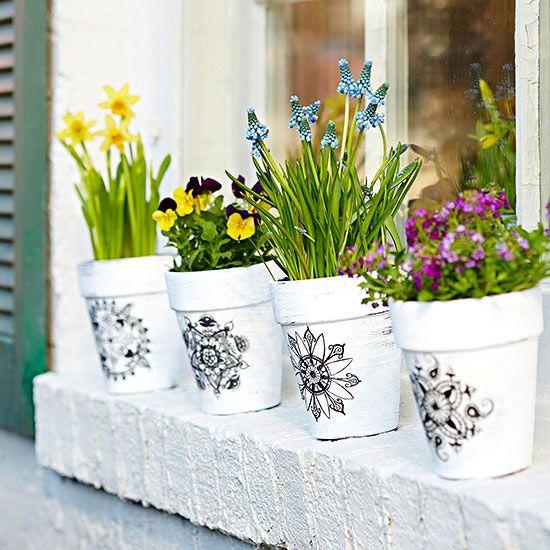 Preciosa propuesta para decorar macetas macetas for Macetas para exteriores decoracion