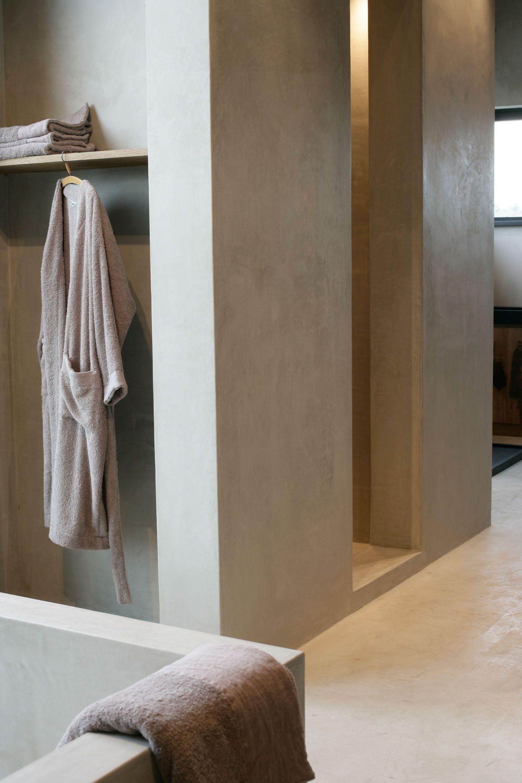 Fabricant Beton Cire France polished plastered walls.. | salle de bain en béton, idée