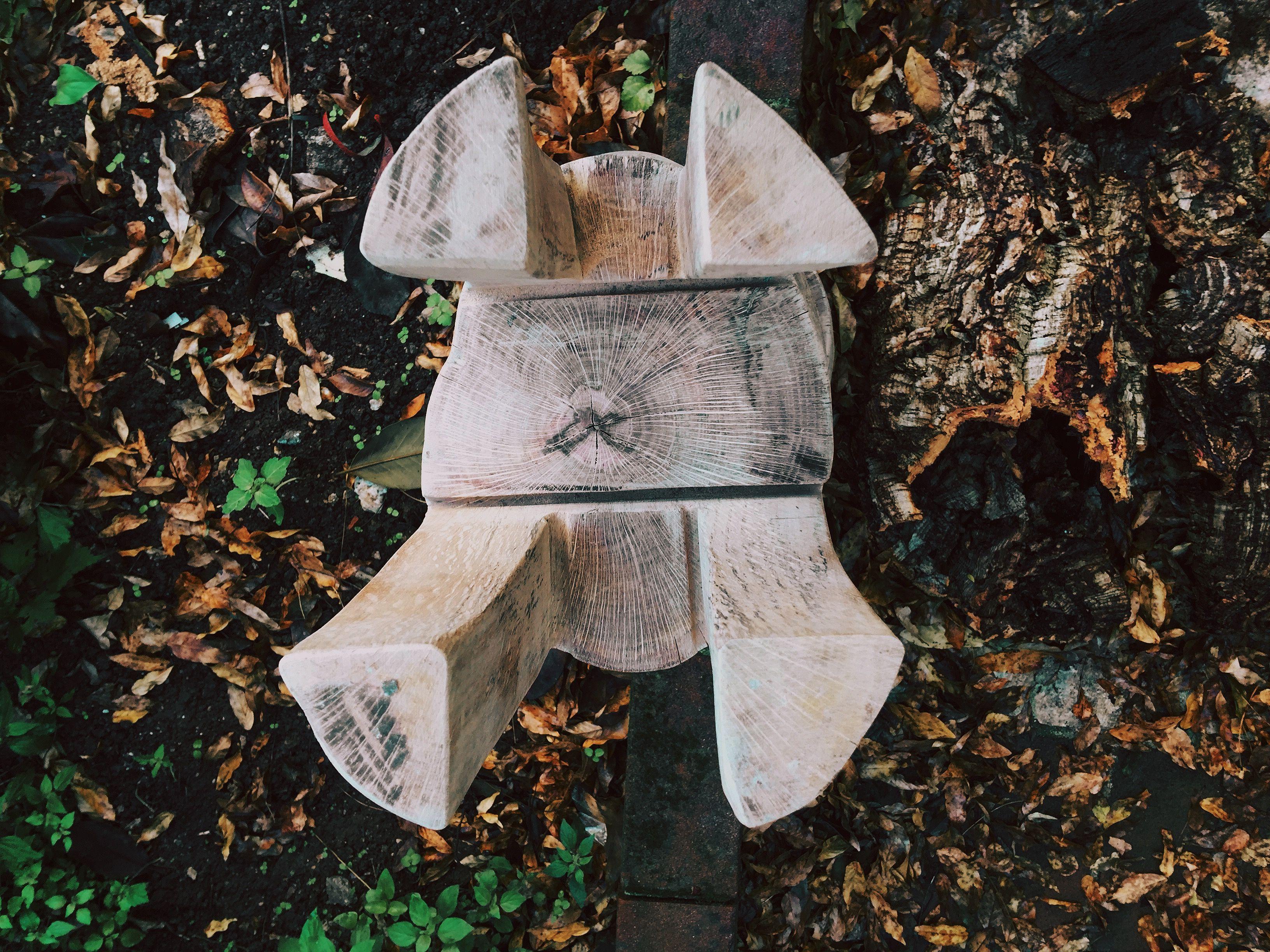 Sgabello sughero ~ Work in progress sgabello a testa in giù in legno di sughero