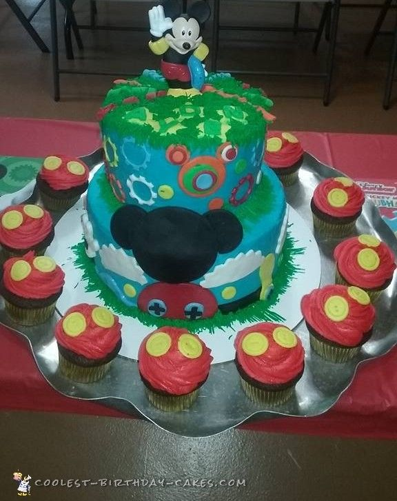 Cute Homemade Mickey Mouse Cake And Cupcakes Mouse Cake Cool