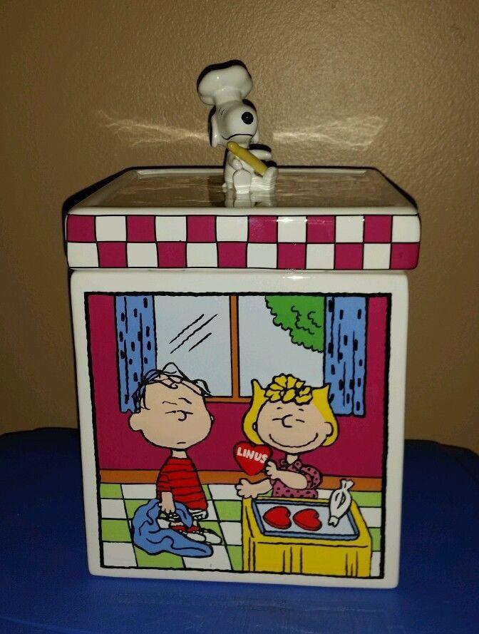 Danbury Mint Peanuts Cookie Jar