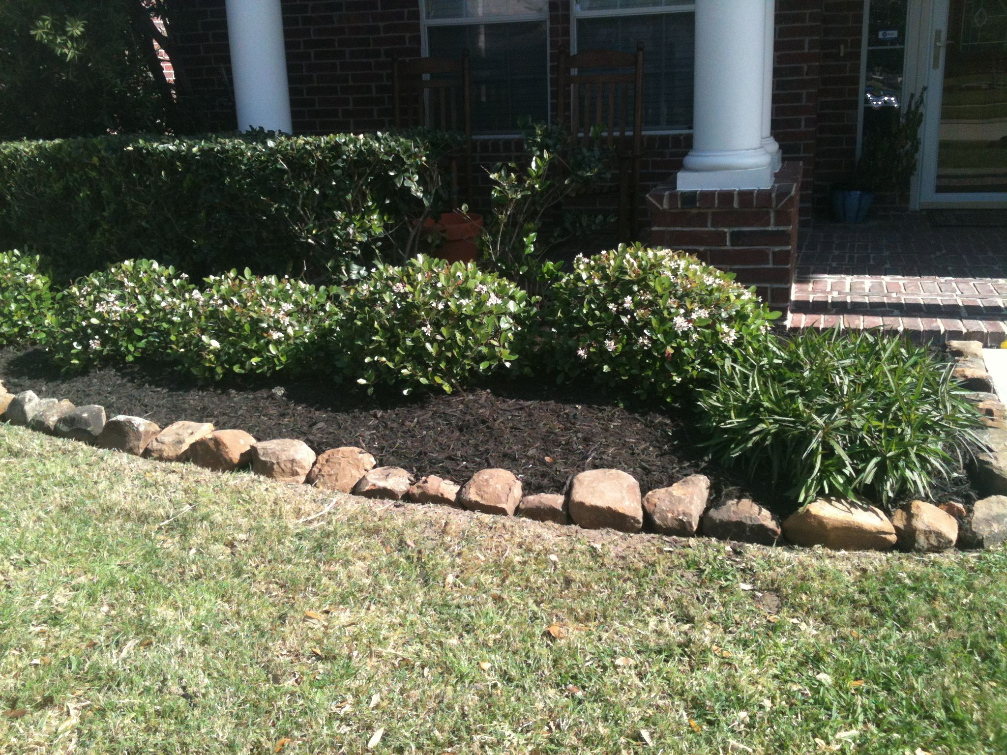 rocks bordering mulch | Landscaping | Pinterest | Landscaping ...