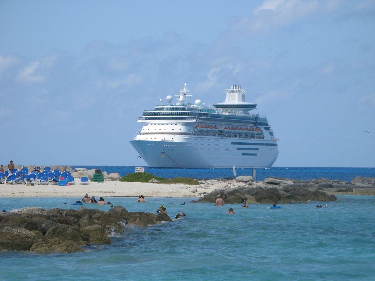 eac7952d9 Royal Caribbean cruse. Coco bay a private island