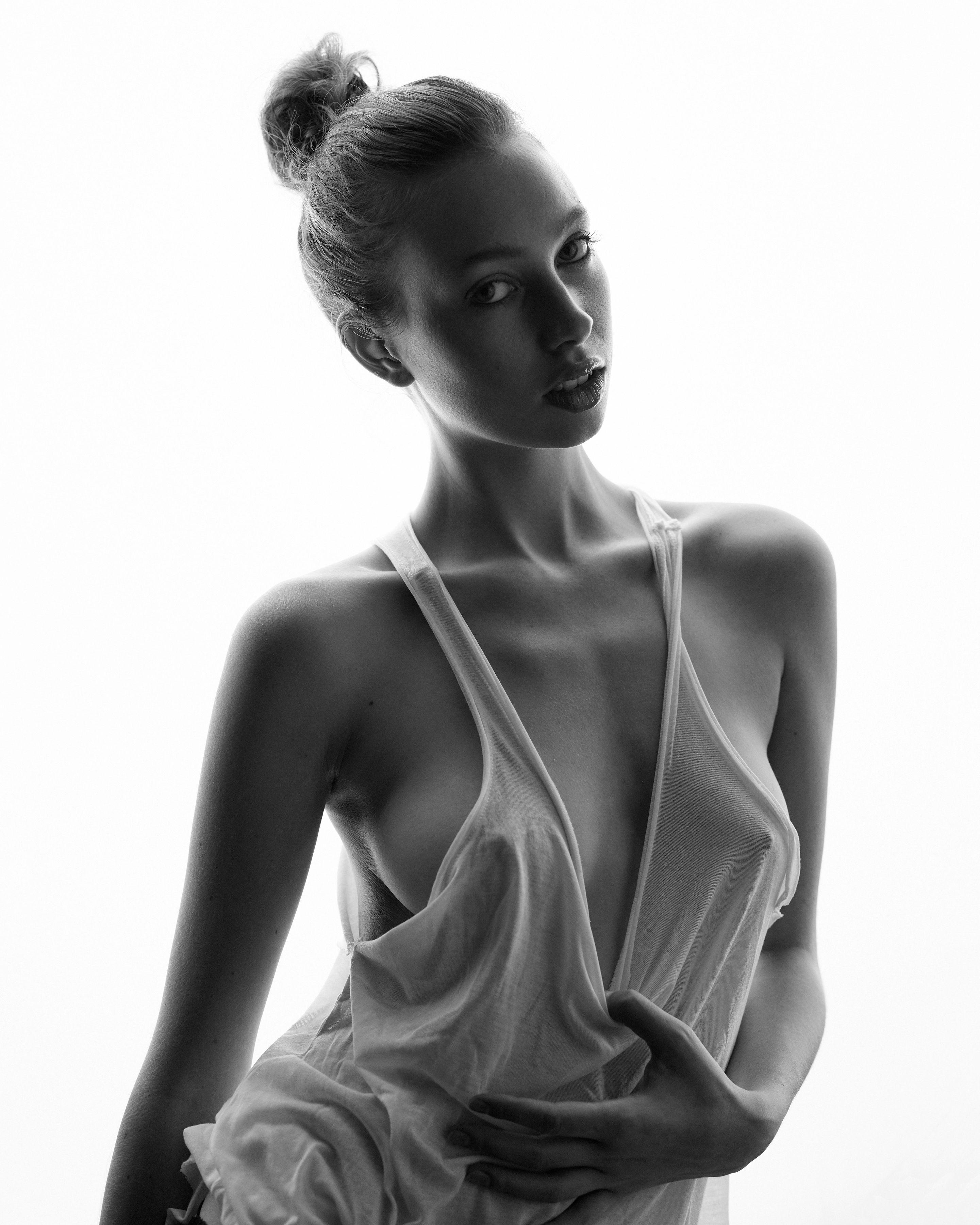 Selfie Instagram Tillie Medland naked photo 2017