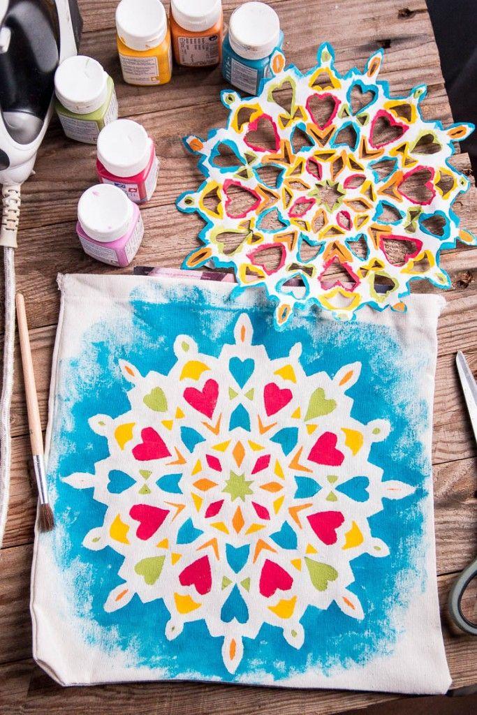 0ef47e4e2 Cómo Pintar un Mandala Fácilmente en Tela - Incluso Para Niños - Cosas  Caseras